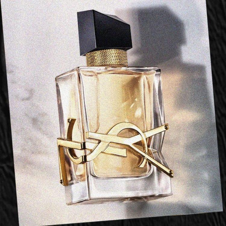 yan and one : Craquez pour le parfum de la liberté Libre d'Yves Saint Laurent est une ode à l... June 2021
