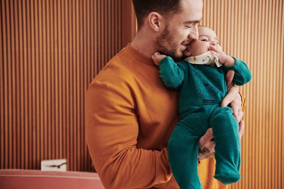kiabi maroc : Moi et papa ! Prix du pyjama en velours + bavoir éco-conçu: 65 dhs Découvrez plu... July 2021