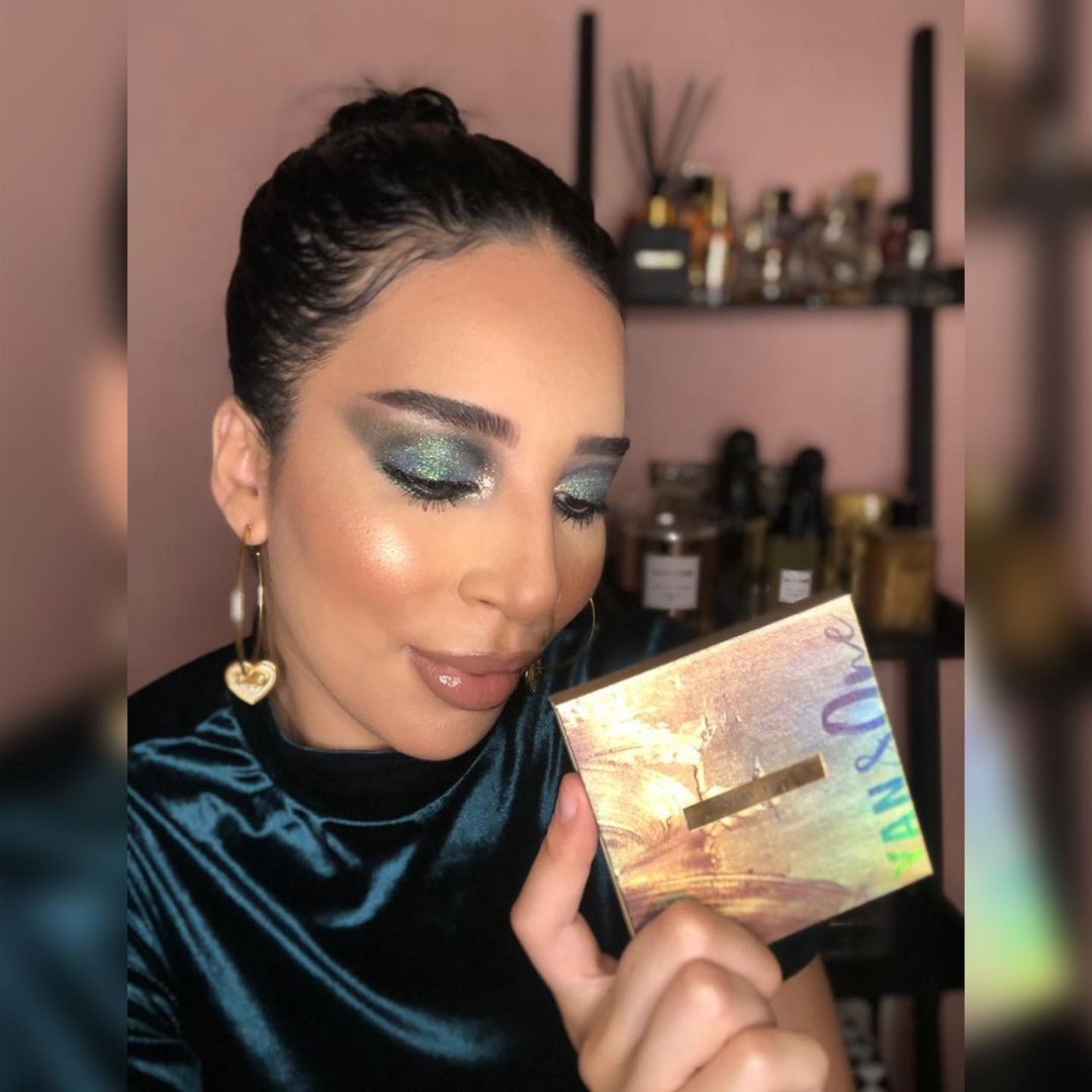 yan and one : Un makeup look Very Fès c'est avant tout des reflets irisés, de belles couleurs ... September 2021