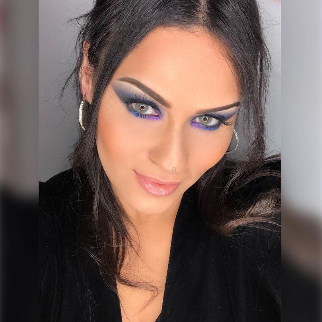 yan and one : Ultraviolet look par la belle qui utilise la palette Very Chefchaouen pour crée... October 2021